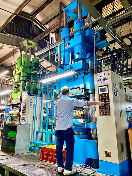 Injection Molding Machine for Rubber Components